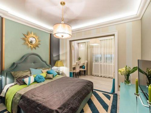 Отделка спальни в доме: фото интерьера комнаты в квартире, варианты с натуральными материалами, примеры с блок-хаусом