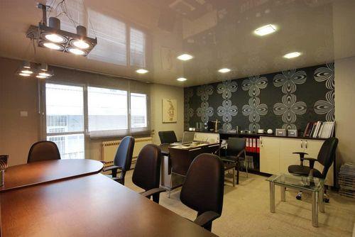 Потолки в офисных помещениях: виды, высота, монтаж современного, светильник, варианты высокого, лампа, дизайн